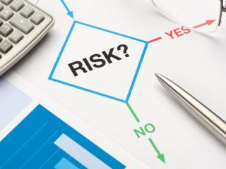 Phân tích rủi ro về hiệu năng hoạt động