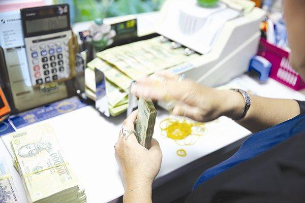 Phân tích tình hình thanh toán nợ phải thu