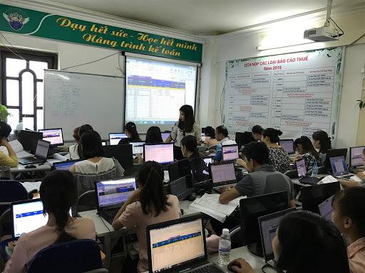 Khóa học kế toán ngắn hạn tại Thiên Ưng